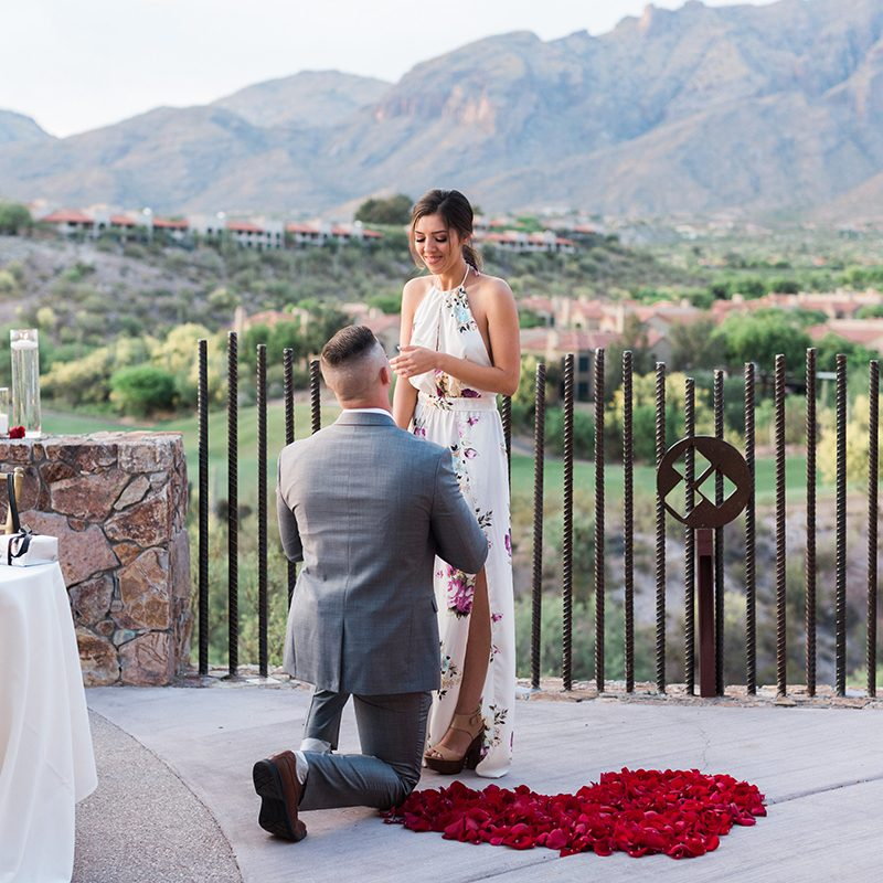 how to work with a wedding planner